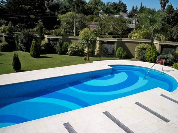 piscine beton traditionnelle
