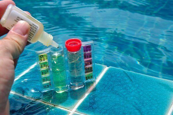 analyse de l'eau de piscine