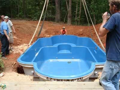 pose d'une piscine coque