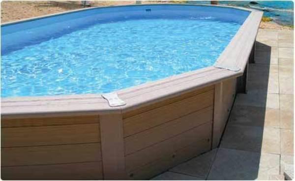 piscine structure composite imitation bois