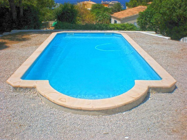 piscine structure coque polyester